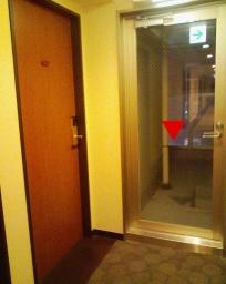 アパホテル横浜関内宿泊室のドア